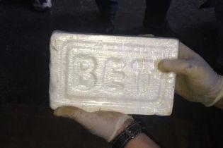 В порту Санкт-Петербурга в консервах нашли 400 кг кокаина