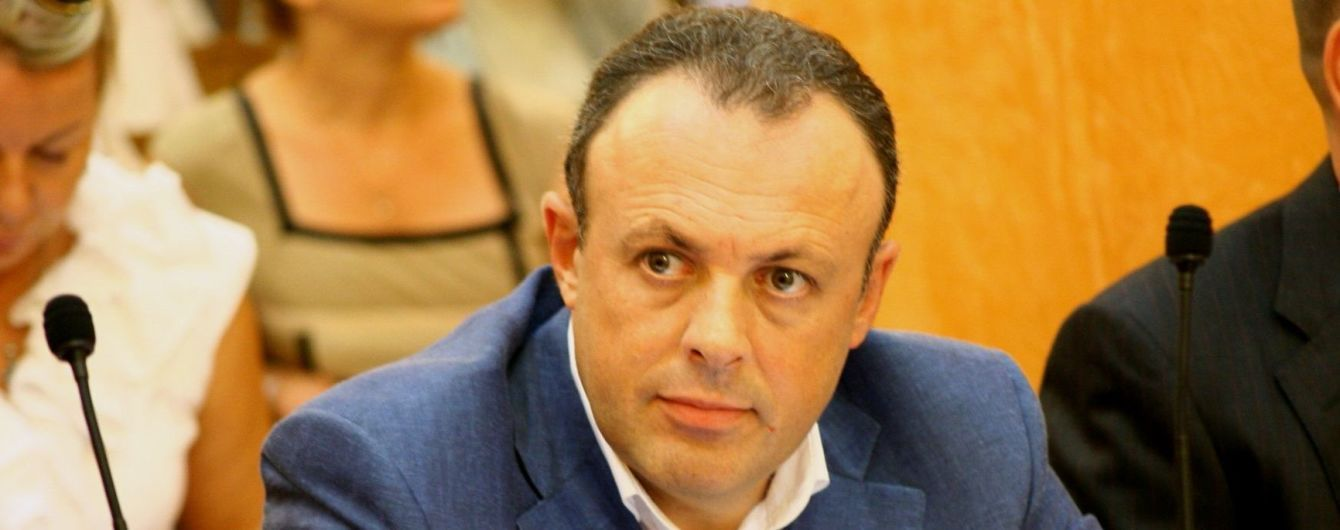 """Кандидат из списка """"Слуги народа"""", которого активисты связывали с Медведчуком, отказался баллотироваться в парламент"""