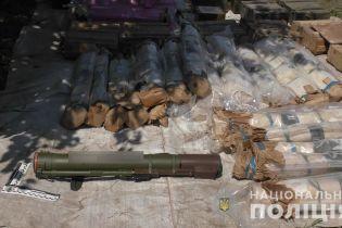 На Ровенщине разоблачили один из крупнейших в Украине арсенал боеприпасов