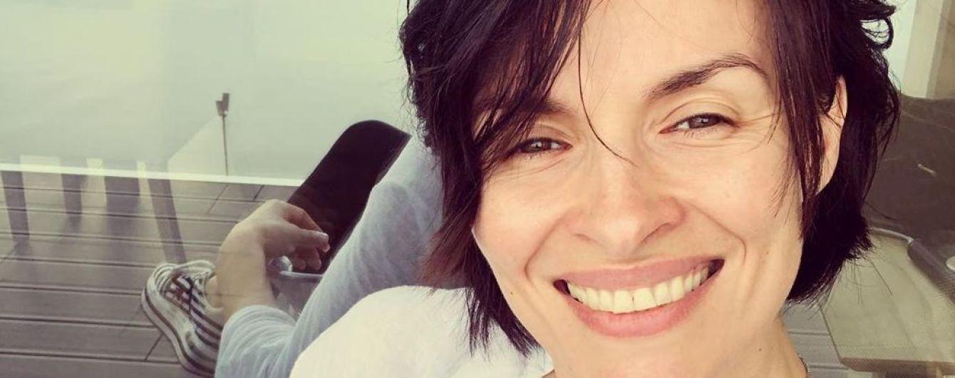 З акцентом на декольте і без макіяжу: Надя Мейхер поділилася знімком з відпочинку