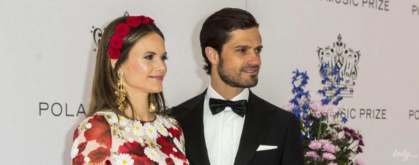 В платье с маками и роскошных серьгах: светский выход принцессы Софии