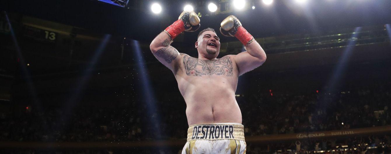 Боксер-чемпіон Руїс оцінив дебют Усика в надважкій вазі та готовий вийти проти українця в ринг