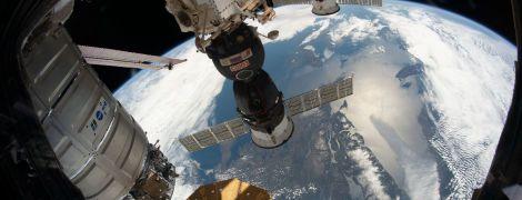 """Роскосмос не зміг зістикувати із МКС корабль """"Союз"""" з роботом на борту"""