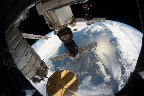 """Європейське космічне агентство пояснило причину відмови від російських кораблів """"Союз"""""""