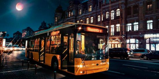 У Києві змінять маршрут руху нічного тролейбуса
