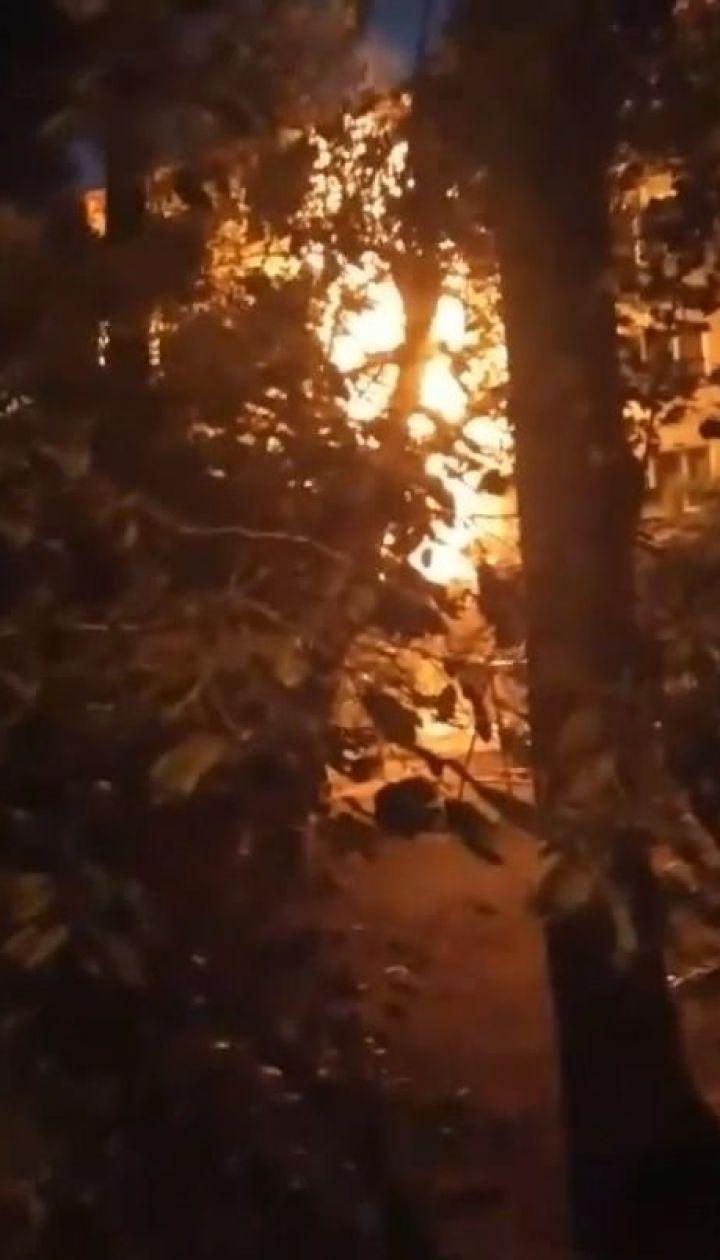 У спальному районі Києва вночі горіла багатоповерхівка