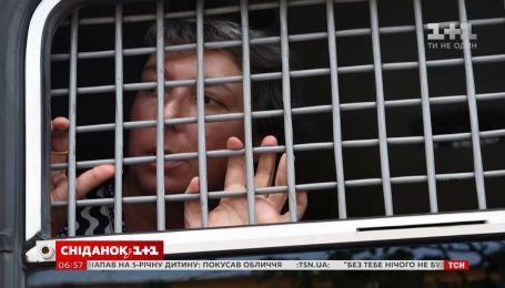 Поліція затримала більше двохсот людей, які прийшли на марш у підтримку журналіста Івана Голунова