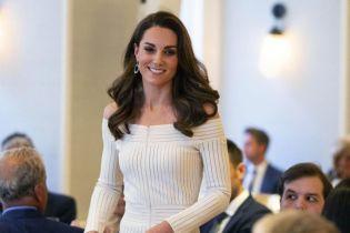Элегантная Кейт Миддлтон очаровала женственным образом в Лондоне