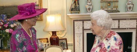Який гарний образ: королева Єлизавета II знову здивувала вибором сукні