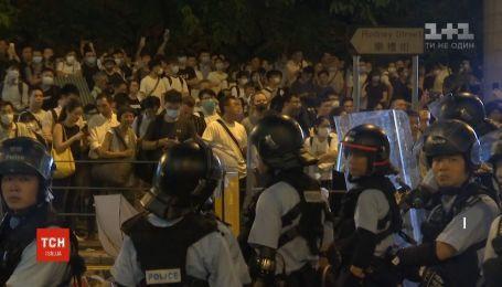 После протестов власти Гонконга отменили заседание по скандальной реформе об экстрадиции