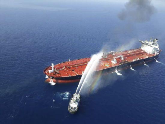США опублікували відео із доказами причетності Ірану до вибухів на танкерах в Оманській затоці