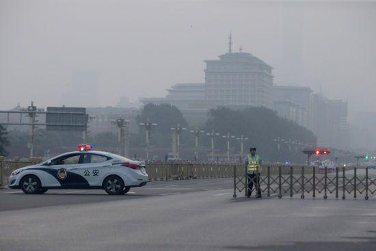 У Китаї обвалився міст з автомобілями. В Мережі опублікували відео