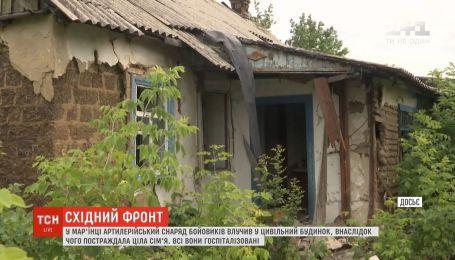 С самого утра террористы обстреливают мирных жителей Марьинки