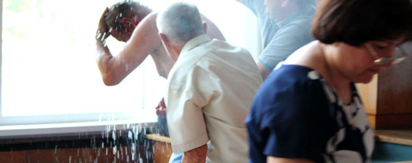 На Житомирщине мужчина поджег себя на сессии городского совета