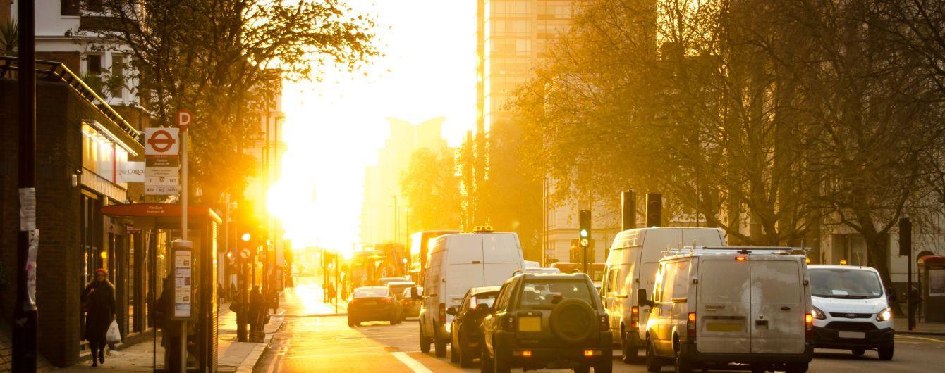 Правильный рацион и одежда: как пережить жару в большом городе