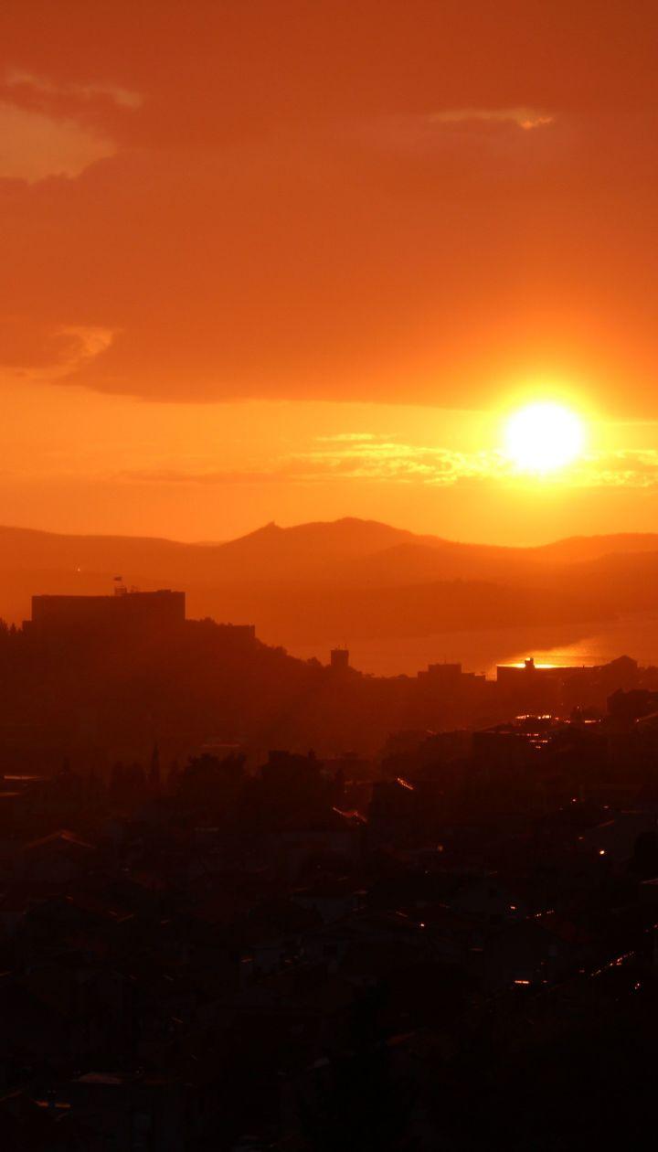 Сильна спека та дощі стали частішими: це підтвердило 36 тисяч метеостанцій