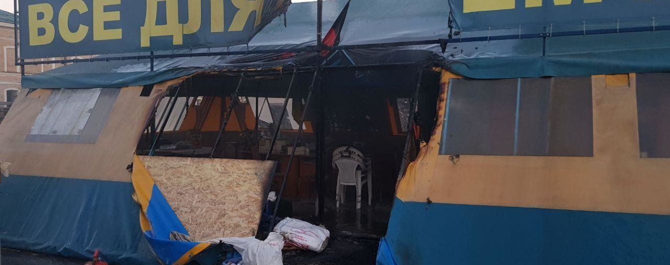 Полиция нашла возможного поджигателя волонтерской палатки в Харькове