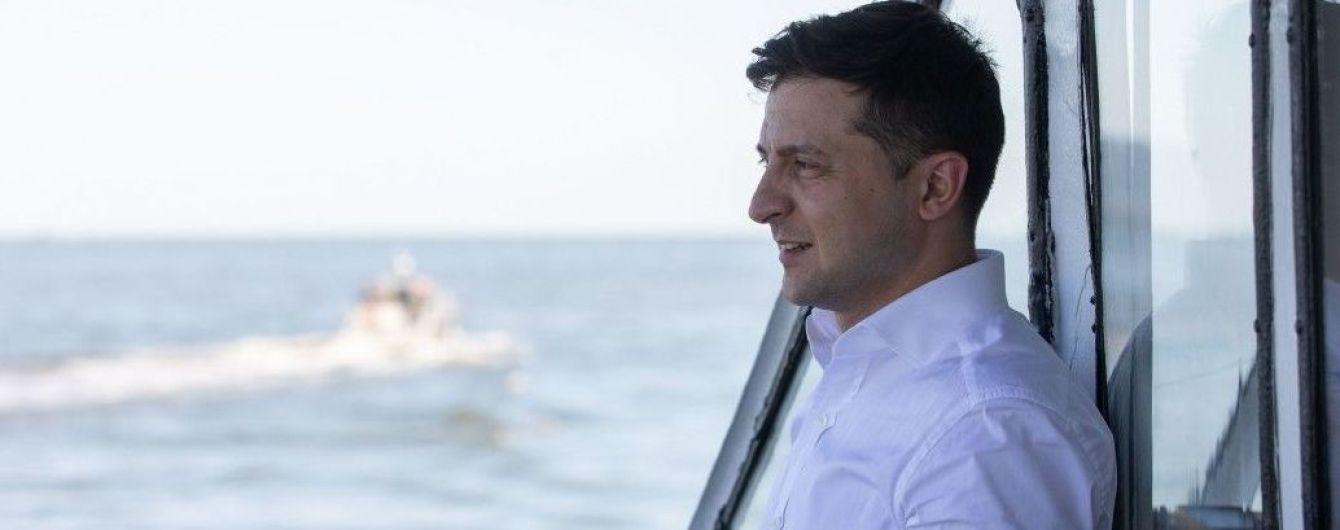 Зеленский не исключает отмены визита в Турцию и анонсировал звонки Макрону и Меркель