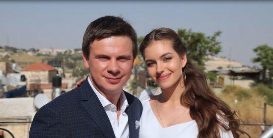 Одружений Дмитро Комаров розповів, як відсвяткує свій день народження з коханою