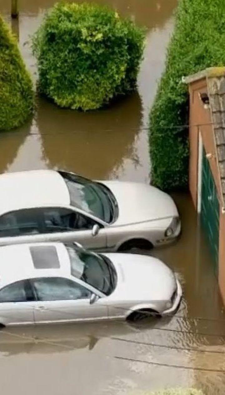 Масштабное наводнение в Великобритании: для преодоления стихии задействованы военные вертолеты