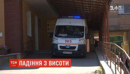 В Бердичеве полуторагодовалый мальчик выпал с 9-го этажа и остался жив