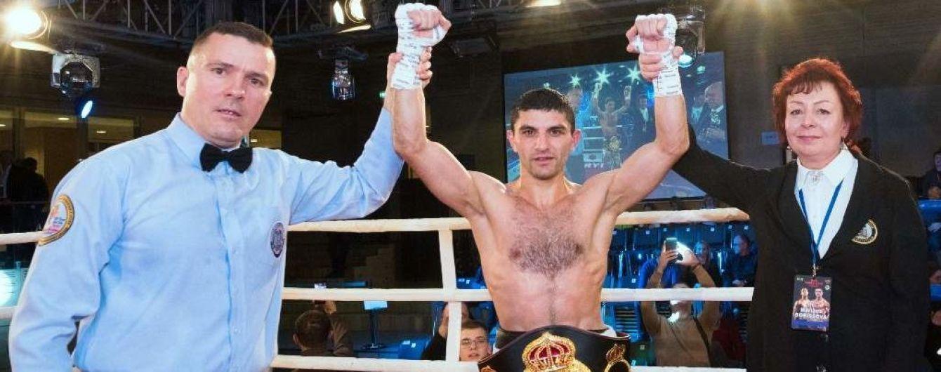 Украинец Далакян нокаутировал соперника и в третий раз защитил чемпионский титул