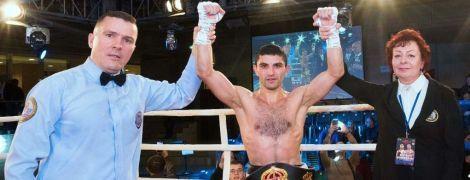 Українець Далакян нокаутував суперника і втретє захистив чемпіонський титул
