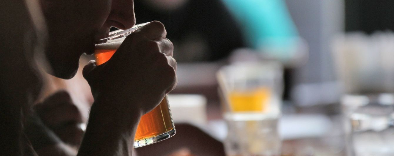 Врачи влили в вьетнамца 4,5 литра пива, чтобы спасти от алкогольного отравления
