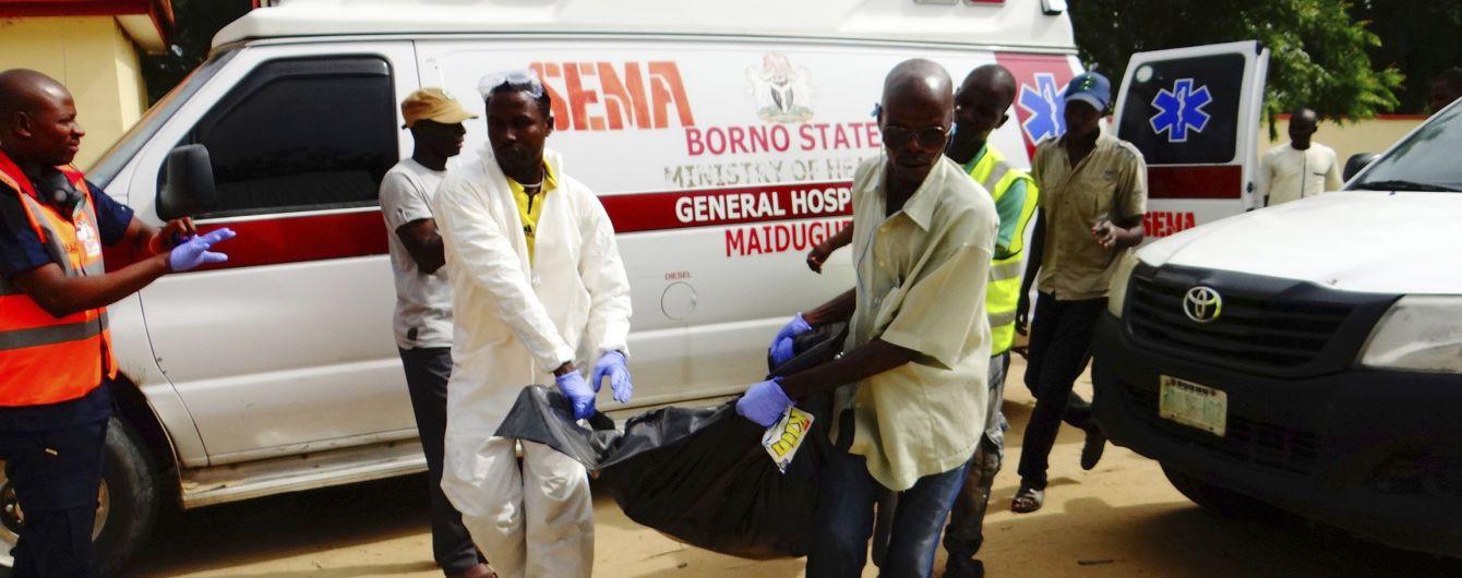 Моторошна аварія у Нігерії. Під час зіткнення автобуса з легковиком загинули 26 людей