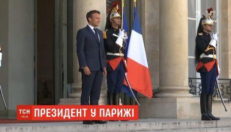 Франція готова допомагати Україні у встановленні миру на Донбасі - Еммануель Макрон