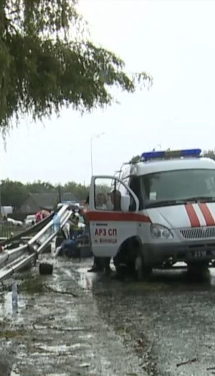 В Винницкой области автобус с пассажирами слетел с дороги и перевернулся