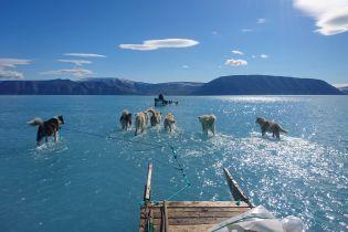 Вірусне фото про рекордне танення льодовиків та костюм Cardi B, який луснув на дупі. Тренди Мережі