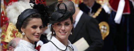 Радостная Кейт Миддлтон в монохроме посетила церемонию Ордена Подвязки в Виндзоре