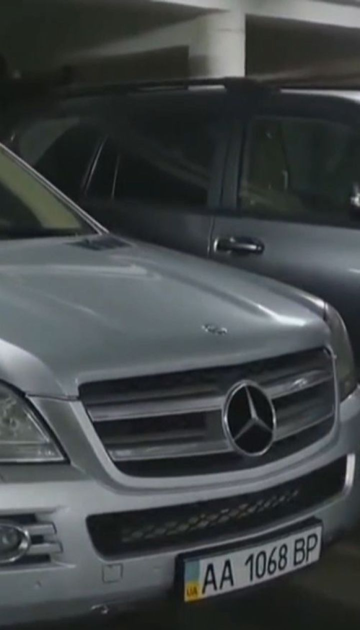 Водію, який проїхався пішохідним мостом на позашляховику, загрожує штраф