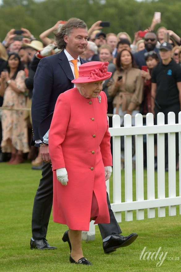 Королева Елизавета ІІ_1