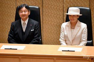 Любить біле: новоспечена імператриця Японії Масако продемонструвала елегантний аутфіт