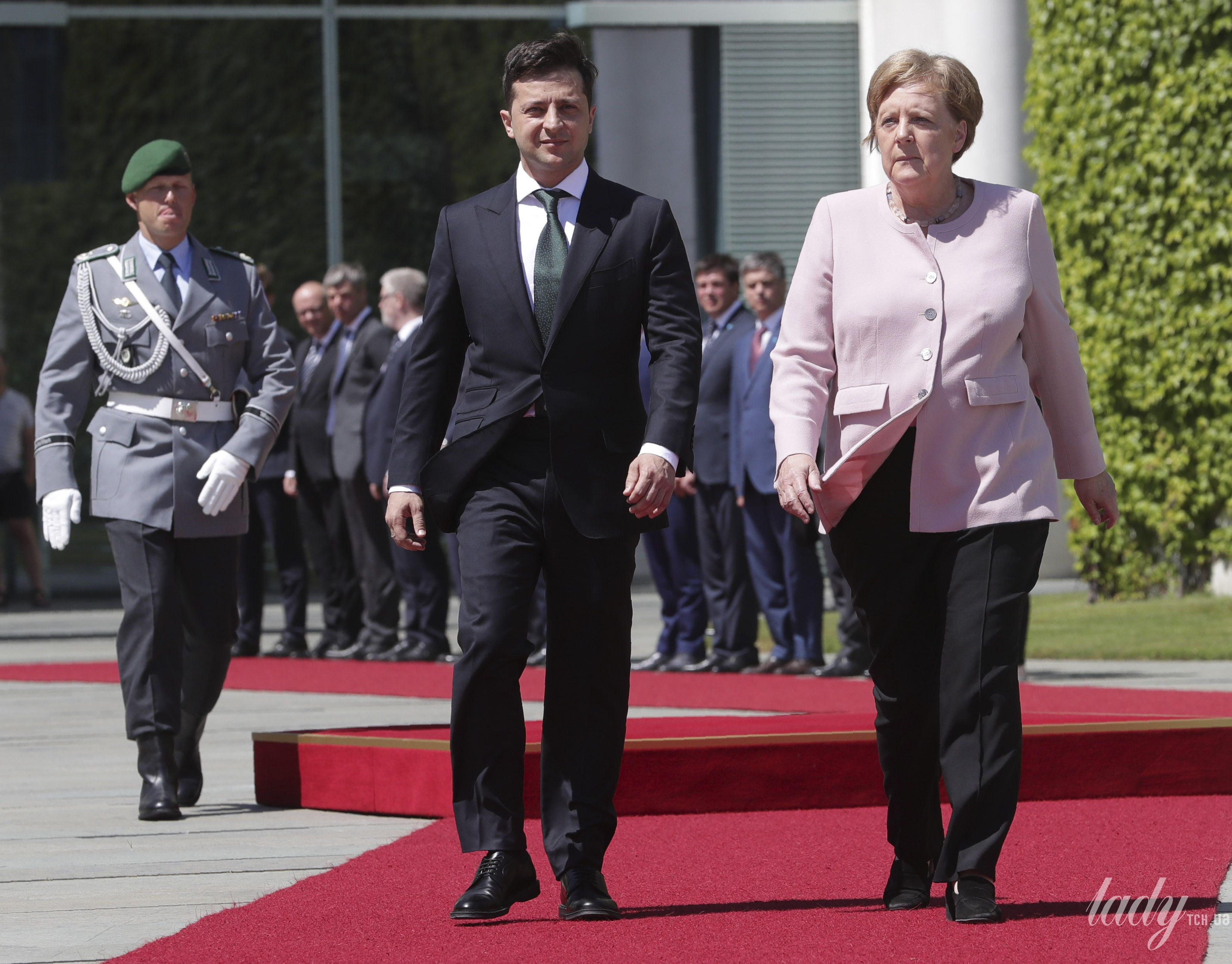 Ангела Меркель и Владимир Зеленский_1