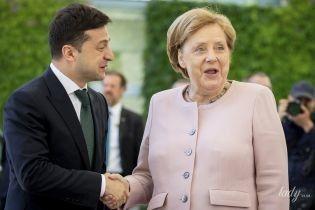 Ангела Меркель одягла на зустріч із Зеленським жакет кольору вареного м'яса