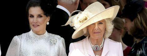 У рожевій сукні й з пітоновим клатчем: ефектний вихід герцогині Корнуольської Камілли