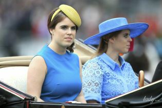В синіх відтінках: принцеси Беатріс і Євгенія на кінних змаганнях