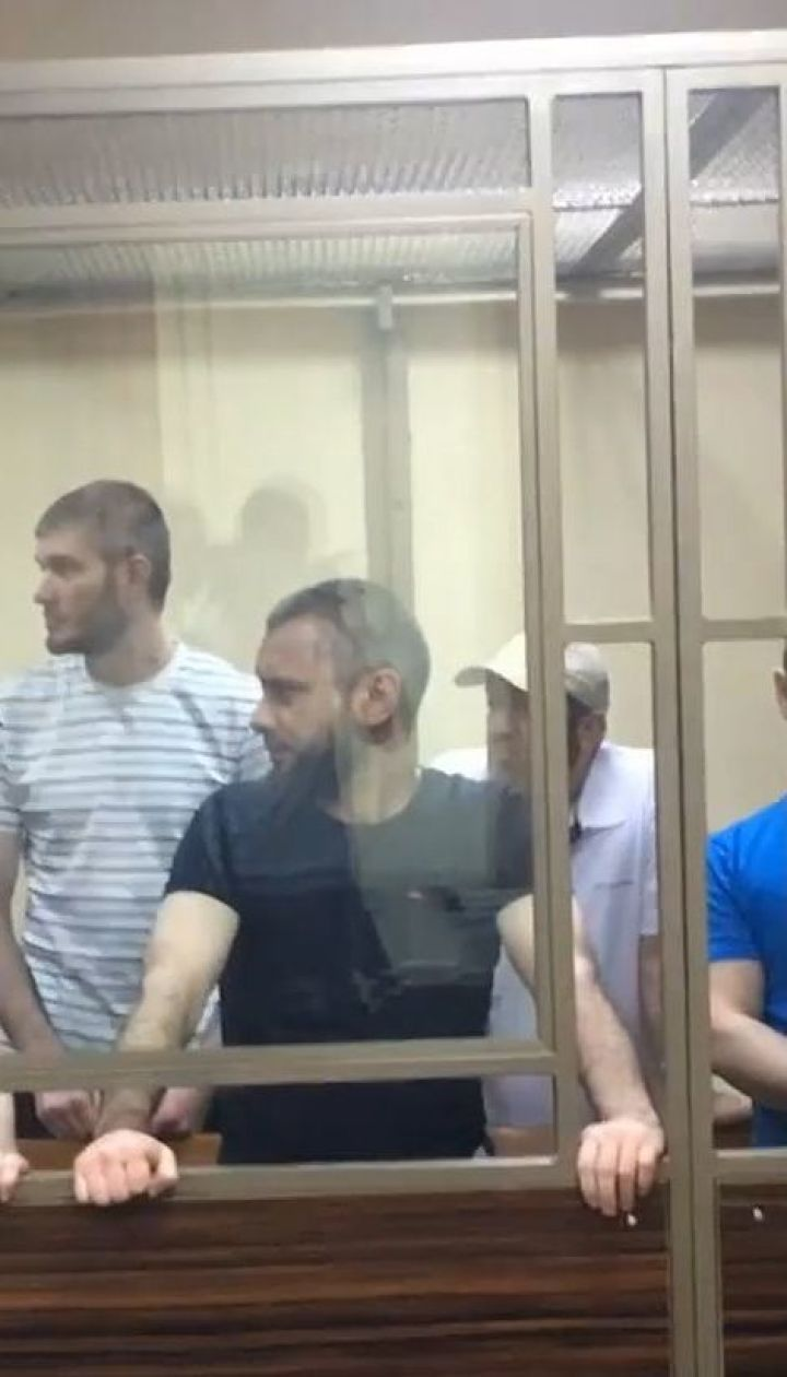 Від 11 до 17 років під арештом: суд у Росії виніс вироки п'ятьом кримським татарам