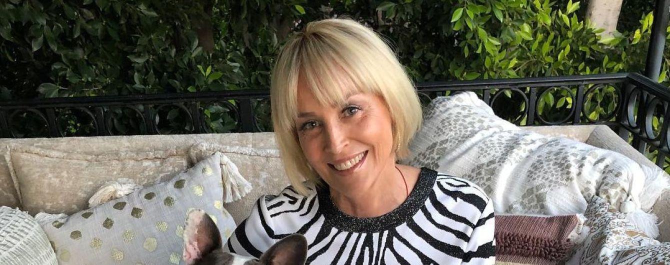 61-річна Шерон Стоун у чорній сорочці та ботфортах вшкварила запальний танок