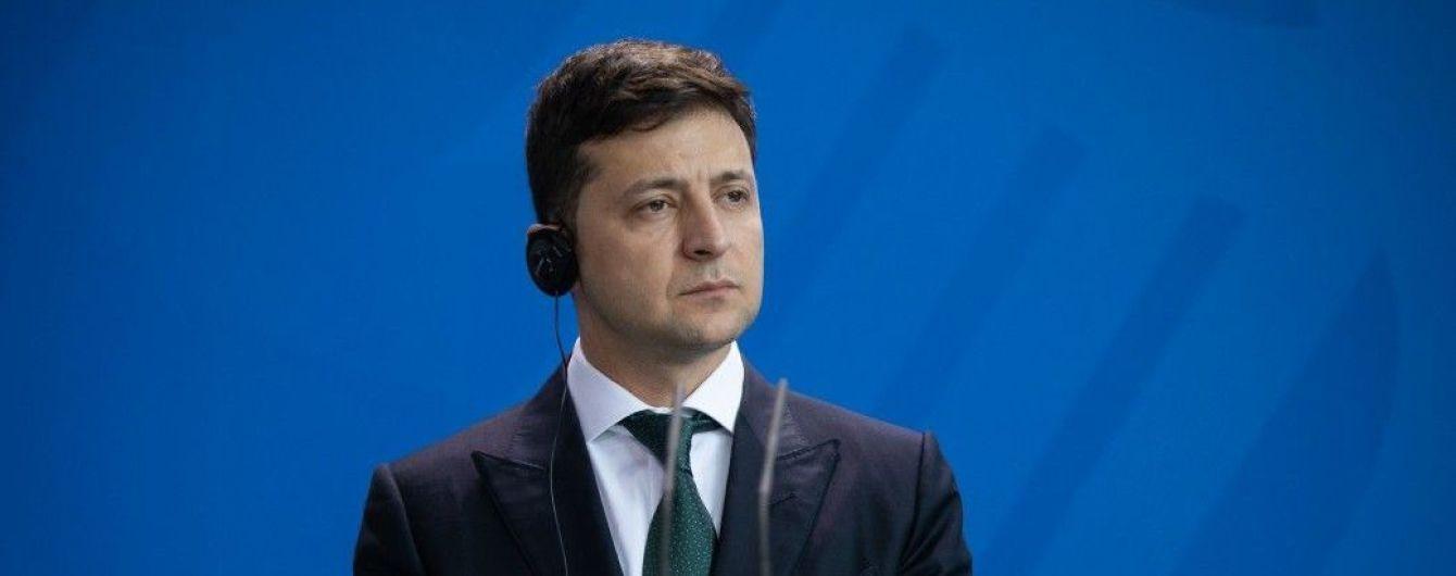 У Зеленского пишут правки к закону о люстрации, добавив туда президента и депутатов