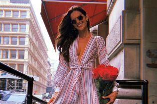 В легкiй сукні і без білизни: Ізабель Гулар гуляє Нью-Йорком