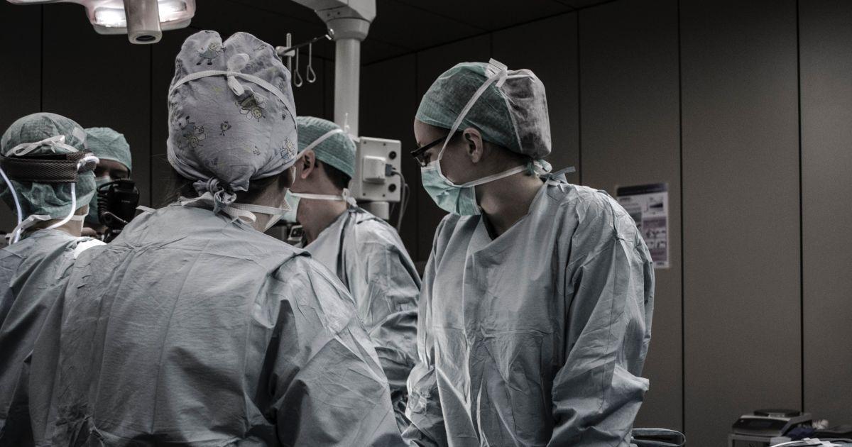 Вибух на військовій базі в Росії. Медиків не попередили про радіацію, ФСБ вилучила документи в лікарні