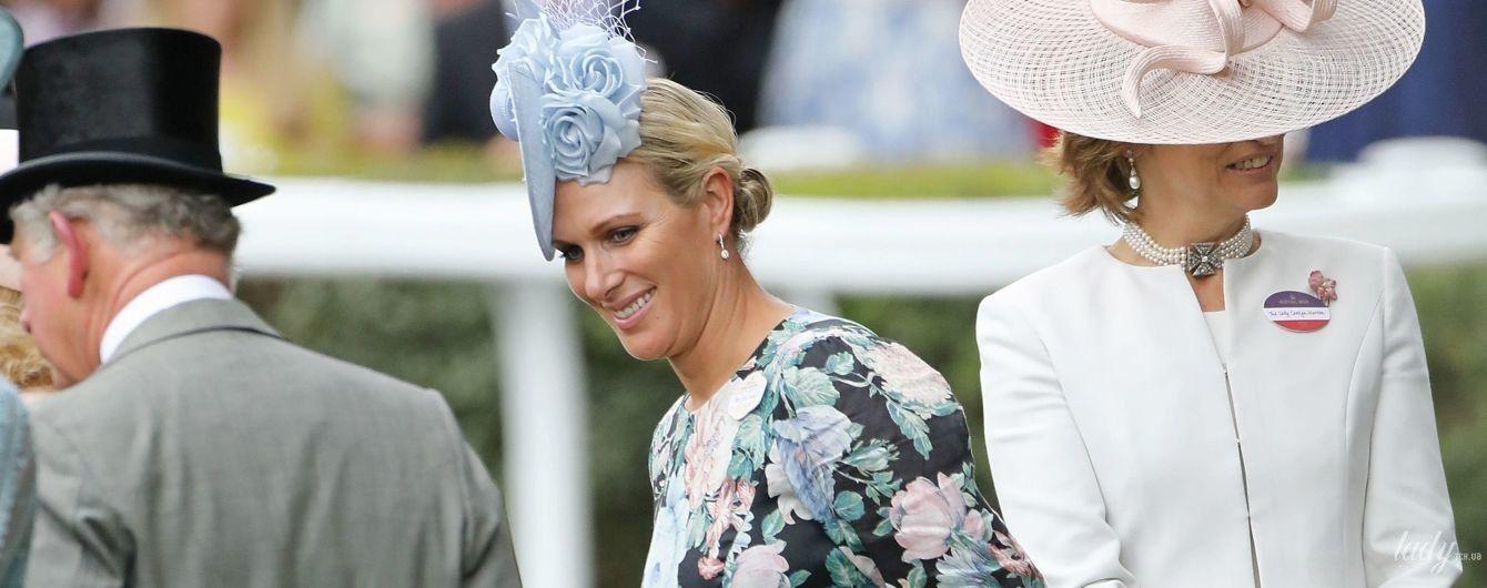 Надела платье в цветочек и обнималась с принцом Чарльзом: Зара Тиндолл в Аскоте