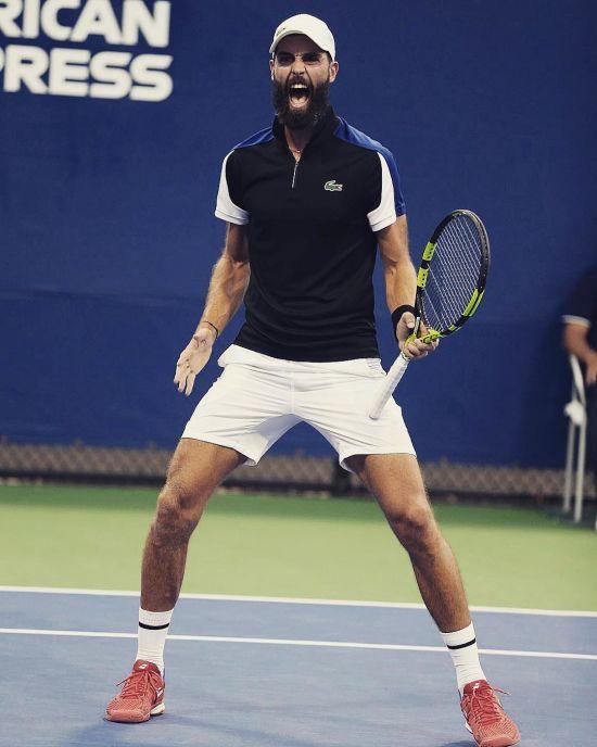 Французький тенісист перейшов на футбол після того, як впустив ракетку