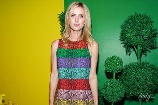 В платье цвета радуги: яркая Ники Хилтон на вечеринке в Нью-Йорке