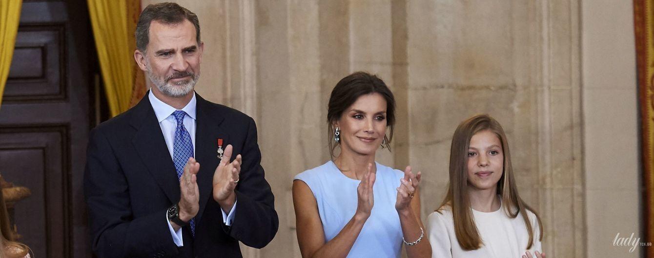 Она безупречна: королева Летиция в небесном платье появилась на торжественной церемонии