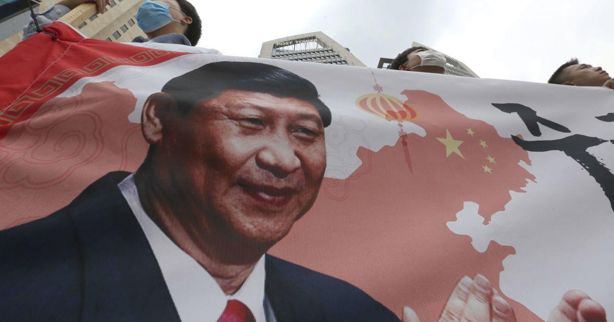 "В Китае бизнесмен обозвал Си Цзиньпина ""клоуном"" и попал за решетку на 18 лет"